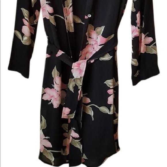 Neiman Marcus Tops - Neiman Marcus floral silk